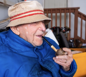 Pipe Smoker Luthard Eid Turns 104